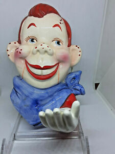 RARE-HOWDY-DOODY-CERAMIC-HAND-PAINTED-WALL-HANGING-PLAQUE-3D-Extended-Hand-1960s