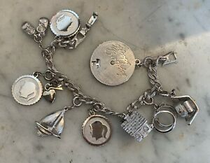 Vintage-Signed-Monet-Double-Link-Silver-tone-Charm-Bracelet-w-9-Moveable-Charms