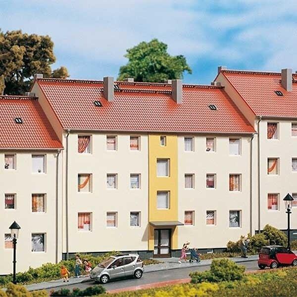 Mehrfamilienhaus Auhagen 11402, H0