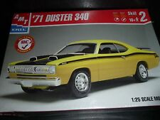 AMT 1971 PLYMOUTH DUSTER 340 1/25 Model Car Mountain KIT FS YELLOW BOX