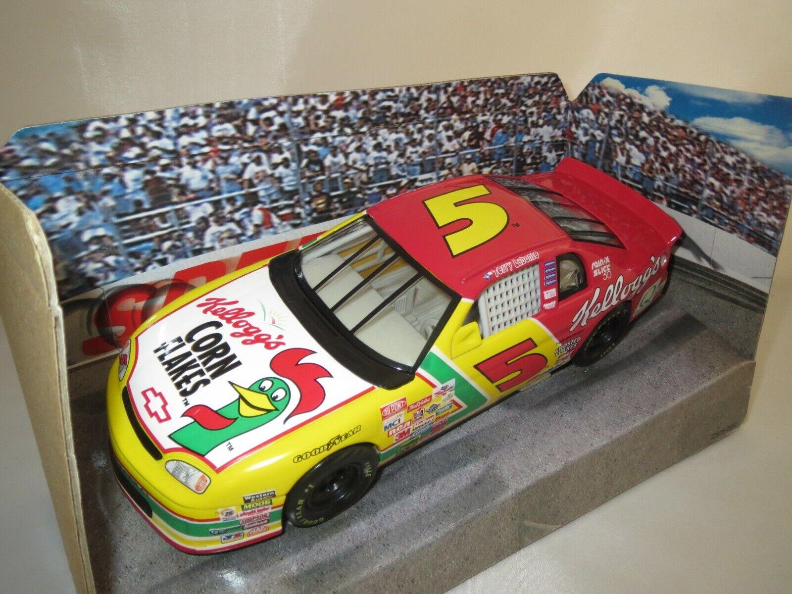 Hot Wheels Mattel 22690  Nascar  (Kellogg`s Racing )   24  OVP