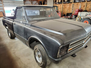 1967 C 10 Short Bed ROLLER CLEAN 2wd