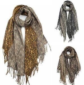Women/'s Warm Beige and Grey Animal Print Blanket Cape//Scarf