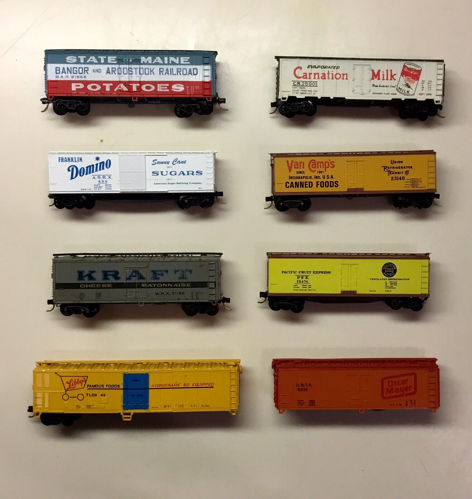 N Scale Food Product Container Train Autos - Masse Of 8