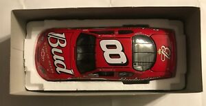 2004-ACTION-8-DALE-EARNHARDT-JR-BUDWEISER-1-24TH-SCALE-STOCK-CAR-3082