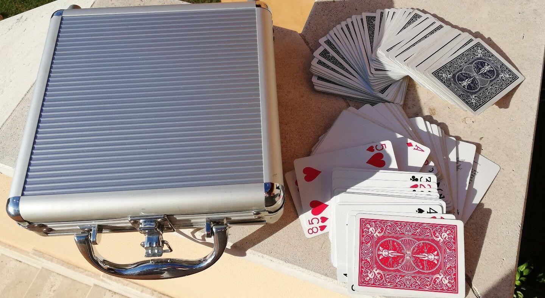 Carte Poker e valigetta di alluminio porta fiches