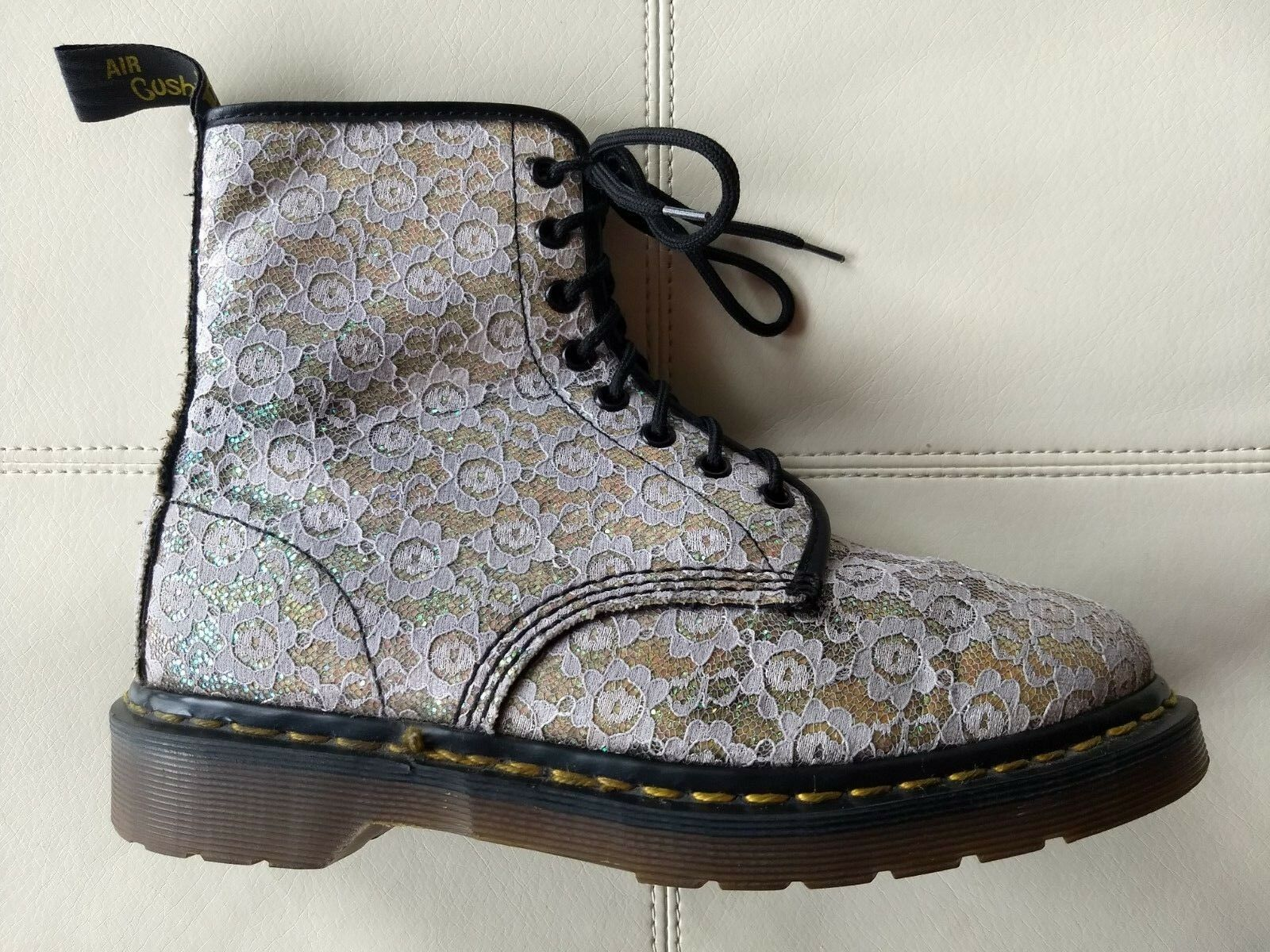 DOC IN DR MARTENS Weiß LACE & GLITTER Stiefel MADE IN DOC ENGLAND RARE VINTAGE 7UK US:W9 57b031