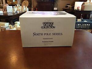 Dept-56-North-Pole-Series-Reindeer-Barn-Excellent-Condition