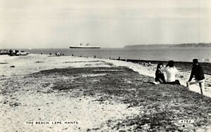 Vintage-Real-Photo-Hampshire-Postcard-The-Beach-Lepe-SS-United-States-DD3