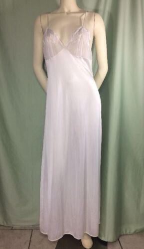 Val Mode Medium Nightgown White Vintage