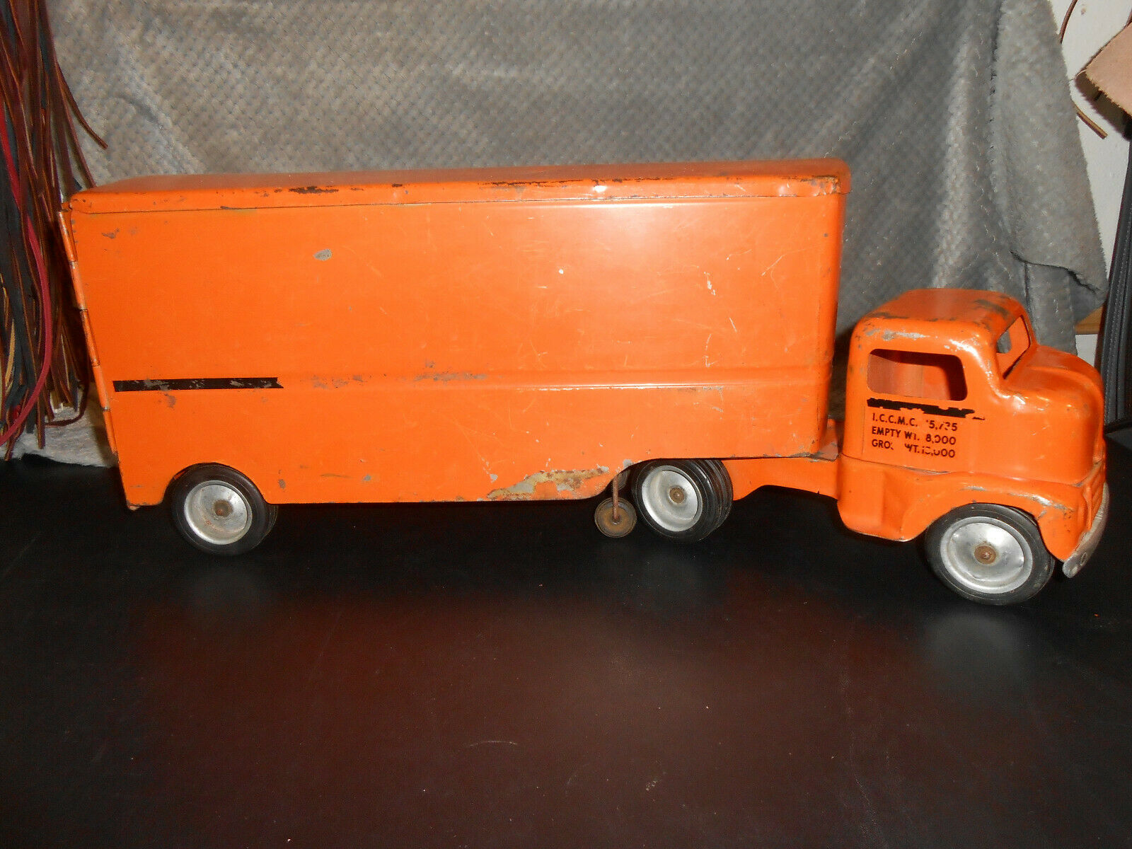 Used Die-Cast 1953 Allied Van-Lines Semi-Truck in Excellent Condition.