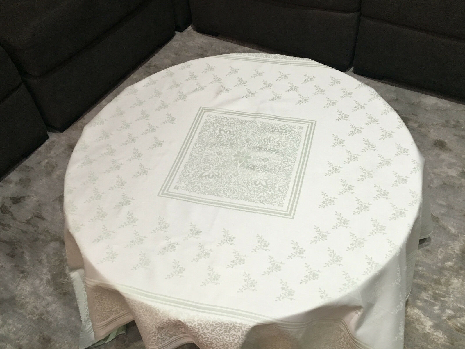 FRETTE 1908 vert 64  X 64  Floral Embroiderouge Tablecloth, SOFT & SMOOTHE