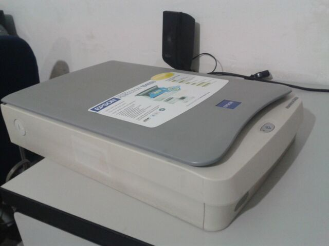 Epson  Perfection 1640SU  Flatbed  Colour Photo Scanner