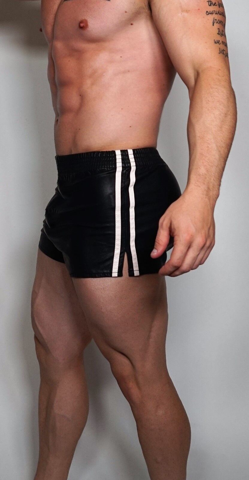 MEN'S  LEATHER-LIKE  SHORT SHORTS ADULT SMALL