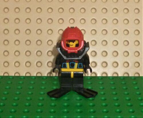 LEGO MINIFIGURE AQUAZONE AQU006a Aquashark 1 with Black Flippers