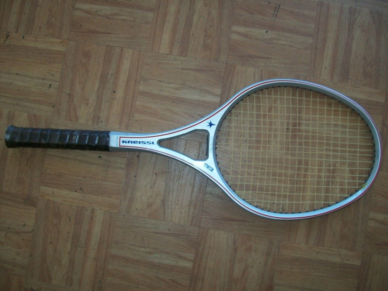 Kneissl bianca bianca bianca Star Twin Graphite Made in Austria 4 1/2 Tennis Racquet 8a6cdb