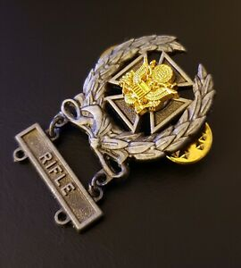 US-ARMY-EAGLE-Expert-Shooting-Wreath-Rifle-MARKSMAN-Qualification-Oxidized-Badge