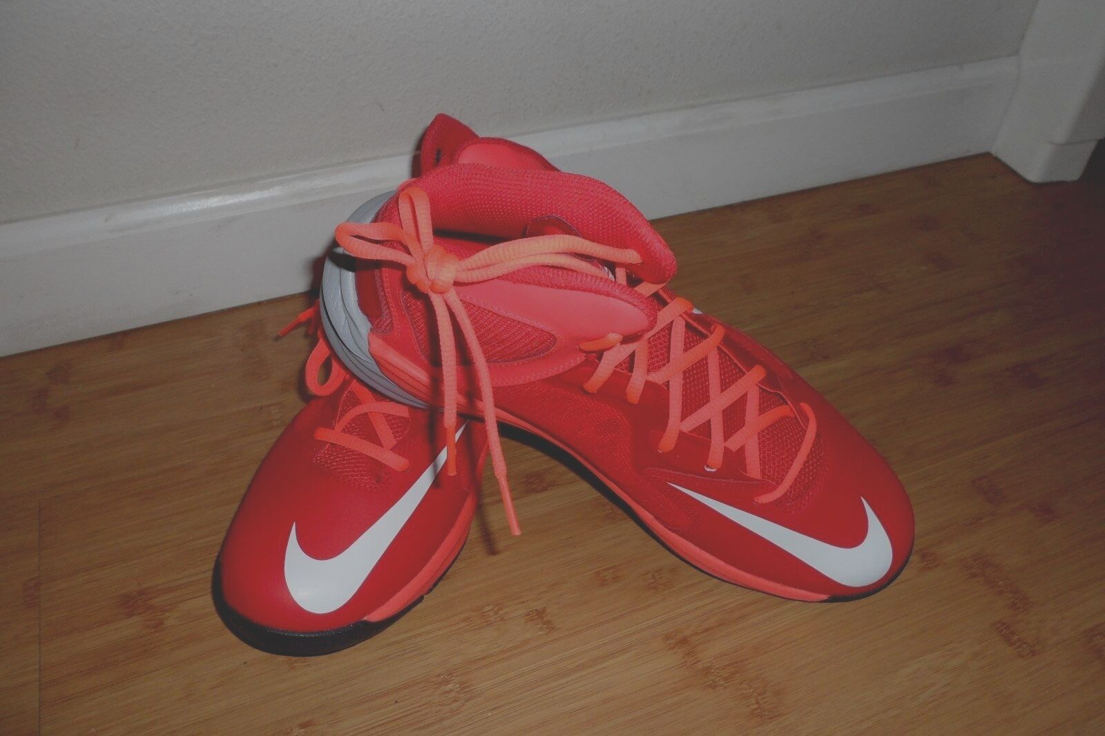 NWOB Men's Nike shoes size 10
