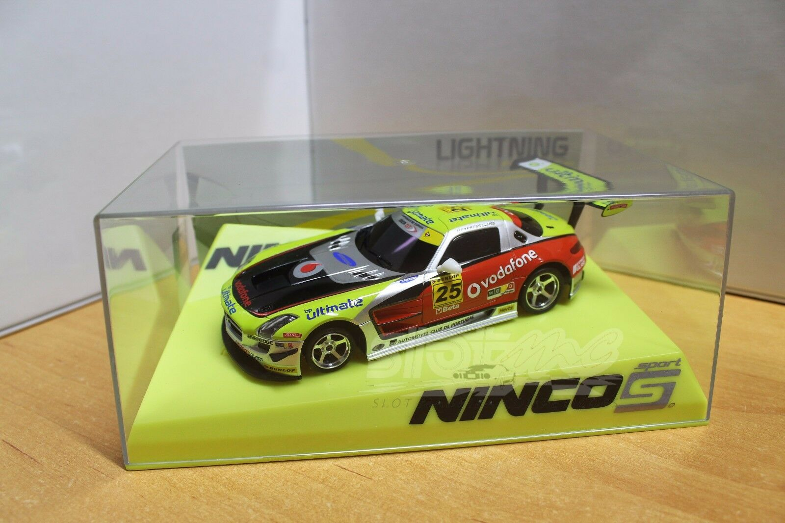 NINCO 50604 Mercedes SLS GT3 Vodafone Lightning MB 1 32  NEW