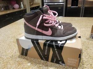 Nike-SB-Dunk-High-Pro-034-Smoke-Baroque-Brown-Ion-Pink-034-stussy-neapolitan-supreme
