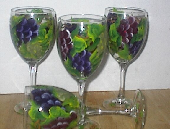 HAND PAINTED MULTI GRAPE SET  4 goblet GLASSES