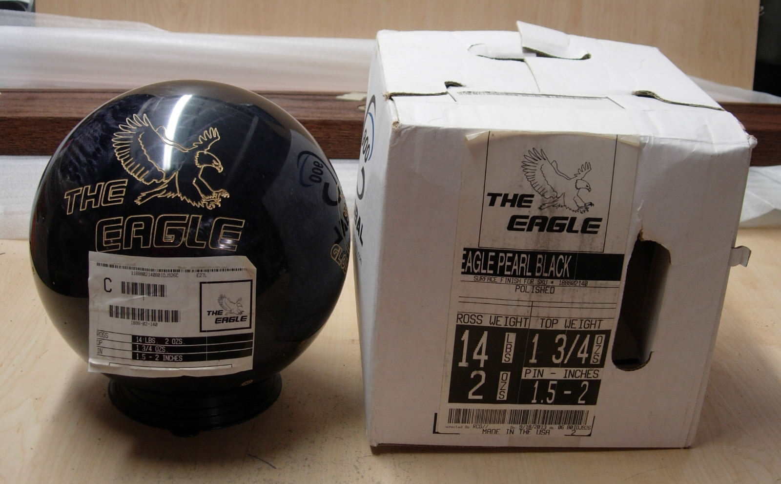 14Global Retired THE EAGLE Bowling Ball never drilled former display