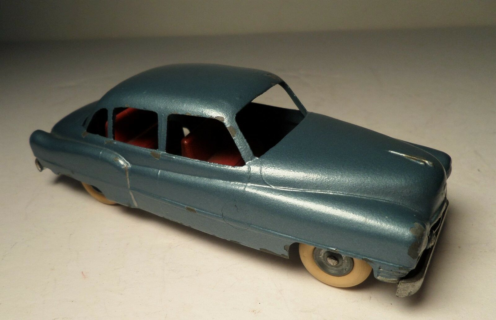 Vintage Die Cast Solido 1953 bluee Cadillac Special Car Toy