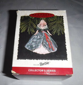 Hallmark-Keepsake-Ornament-Barbie-Christmas-Holiday-Barbie-1995-Vintage