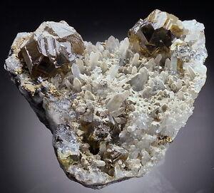 SPHALERITE-CLEIOPHANE-lustrous-crystals-Madan-BULGARIA-ab010