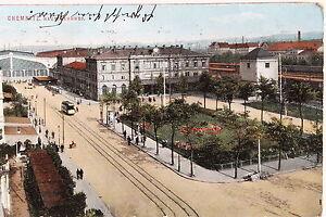 18737-AK-Hauptbahnhof-Chemnitz-Vorplatz-Passanten-Strassenbahn-Gruenanlage-um-1910