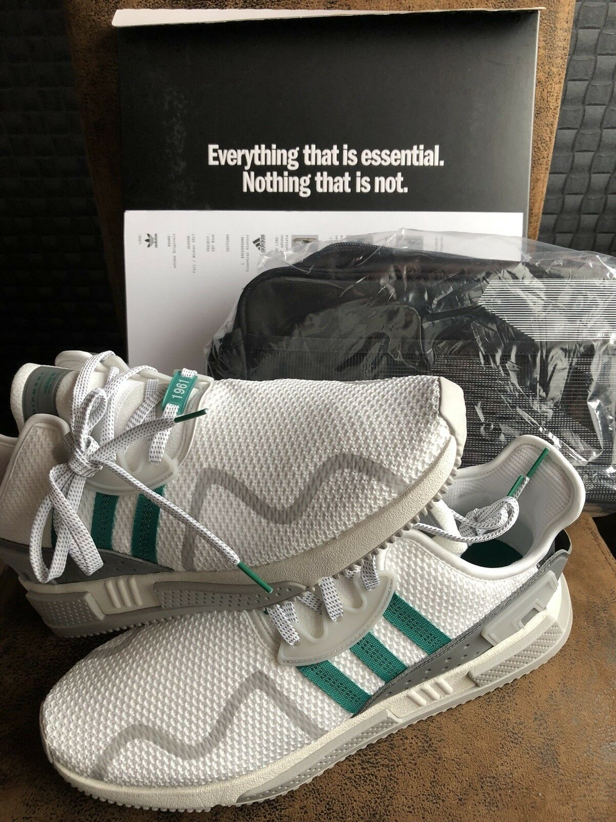 Adidas 10, Dublin 2018 Taille 10, Adidas brand New In Box cbc4b0