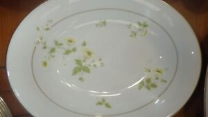 fine China Dinnerware set Summertime by FASHION MANOR mostly ser 8 Gold trim 57p