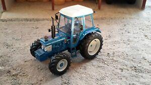 5367 Universal Hobbies Ford 6610 Gen 1 Tracteur 4 roues motrices Échelle 1:32 Neuf en boîte