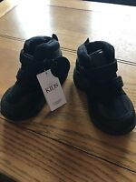 Marks & Spencer Boys Black Real Leather Boots With Flashing Lights Size 6