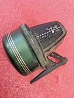 BS8 Vintage Johnson Sabra 545 Spincasting Fishing Reel Made in USA