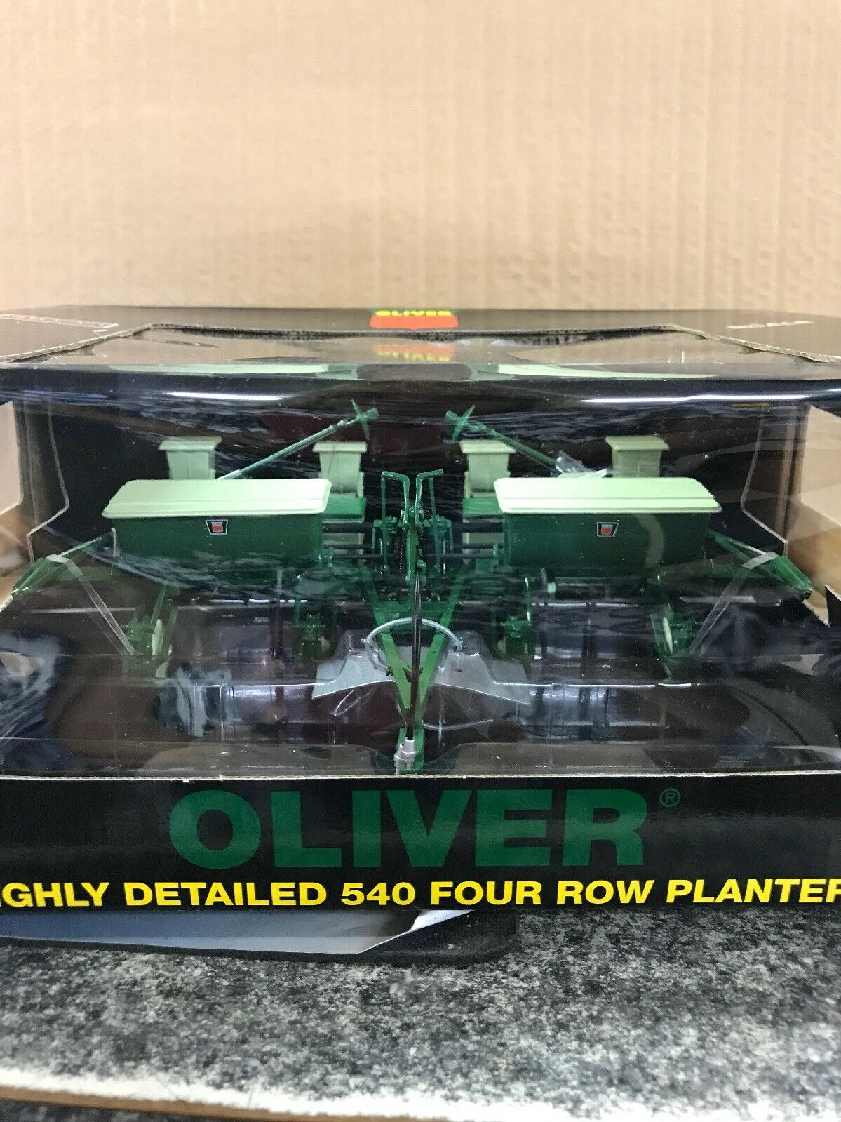 Oliver 540 quatre Row Planter par Spec Cast  SCT303