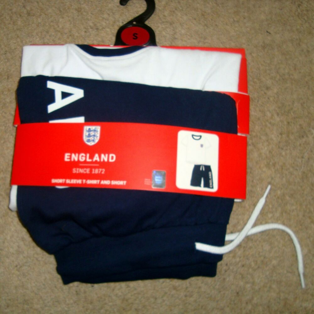 Hommes Officiel Angleterre Salon Costume Taille S Bnwt T-shirt Short De Football