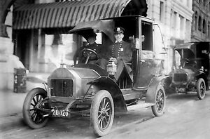 c1914-Police Stay Vigilant  During a Taxi Strike in New York City- 8x12 Photo