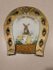 Vintage-Milk-Glass-Easter-Greeting-Bunny-Chick-Horseshoe-Plate-Decor-P-L-Co