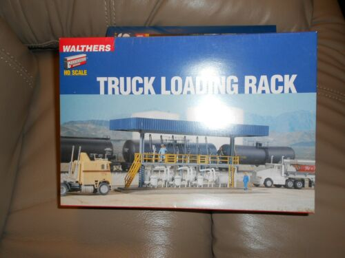 WALTHERS CORNERSTONE          TRUCK LOADING RACK          933-3169    HO SCALE
