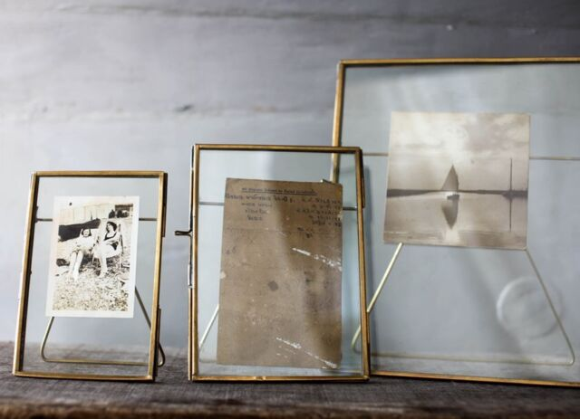 Antiguo Latón y Vidrio Marco de Fotos 20.3x25.4cm - Danta Por Nkuku