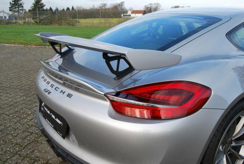 Porsche Cayman GT4 - 13