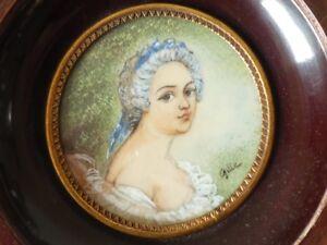 Peinture-miniature-medaillon-Madame-de-Pompadour