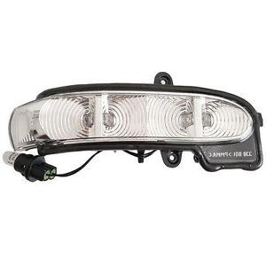 Aussenspiegel-Blinker-Spiegelblinker-RE-Mercedes-Benz-W211-S211-Umfeldbeleuchung