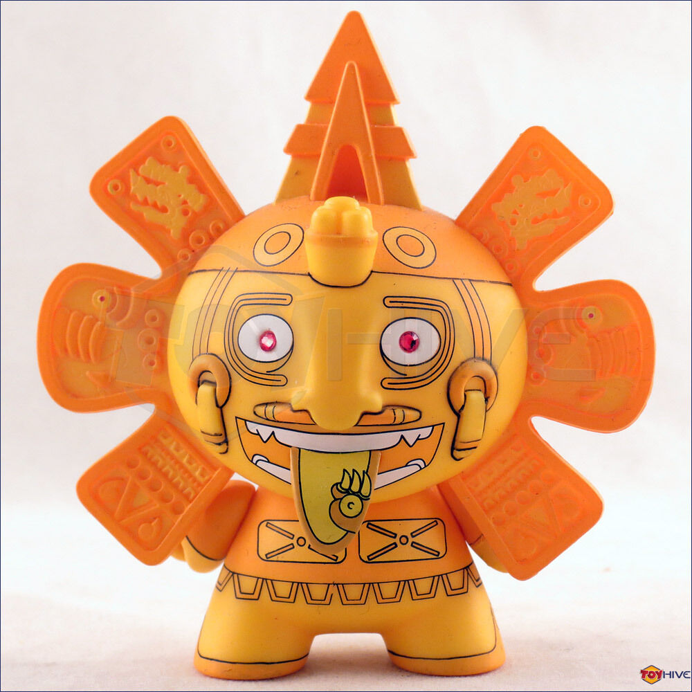 Kidrobot Dunny 2011 Azteca series gold Calendario by Beast Bredhers vinyl figure