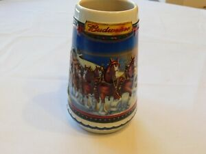 2002-Guiding-the-Way-Home-Budweiser-Christmas-Beer-Stein-Clydesdale-CS529