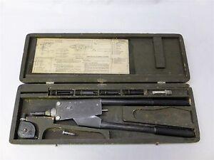 VINTAGE-CHERRY-RIVET-G-10-HAND-GUN-KIT-IN-MFG-WOODEN-STORAGE-CASE