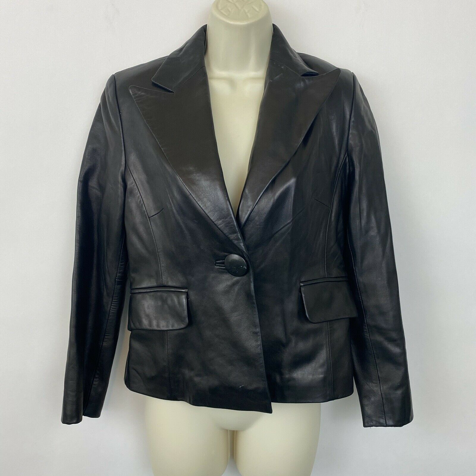 Banana Republic Womens 6 Petite black leather jacket butter soft one button