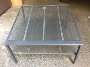 Details Sur Table Basse Ikea Metal Laque Gris Plateau Grillage