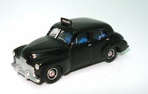 1-87-1948-FX-POLICE-CAR-NEW-DIECAST-IN-DISPLAY-CASE
